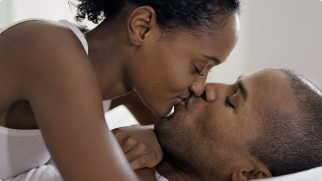 081512-health-std-Gonorrhea-kissing-couple-diseases.jpg-640x360